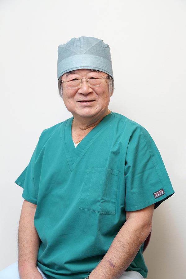 総院長橋口康道(歯学博士)